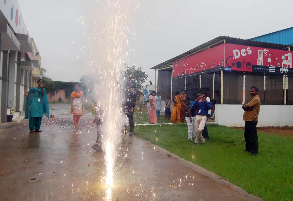 Diwali-2014-celeb-03