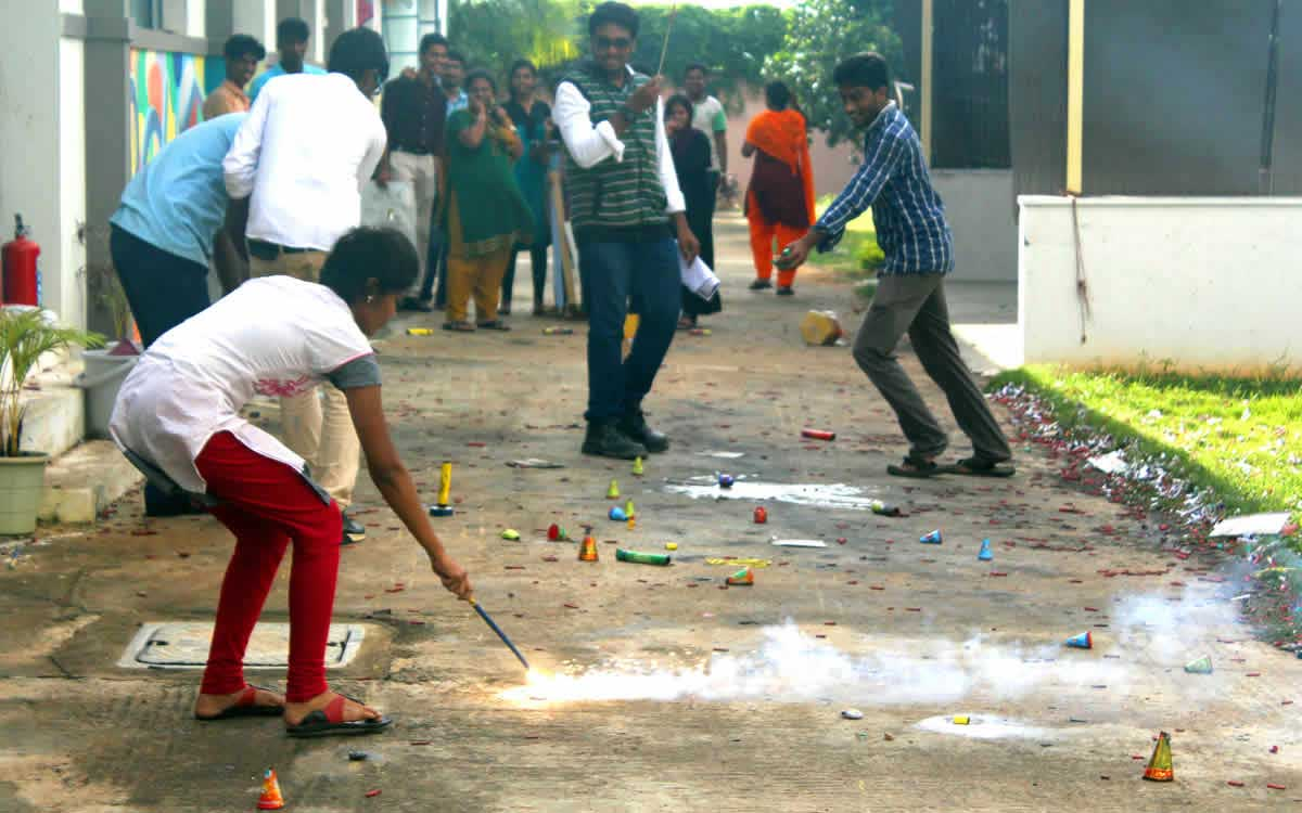 Diwali-celebration-2015-02